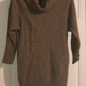 Cynthia Rowley 100% Wool 3/4 sleeve Sweater